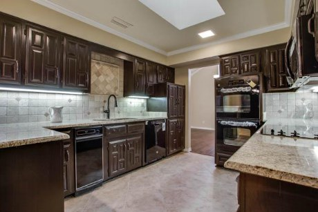 10001 Woodlake Kitchen