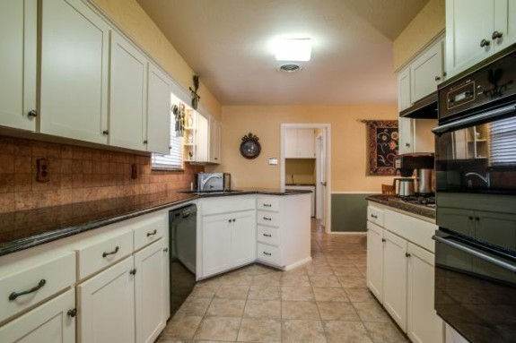 10211 Longmeadow Kitchen