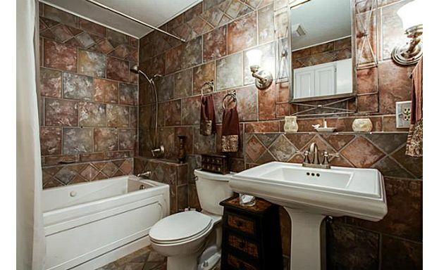 10918 Listi master bath