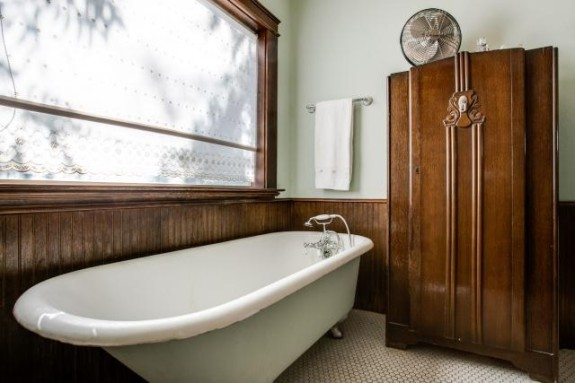 1115 Sarasota Master Bath
