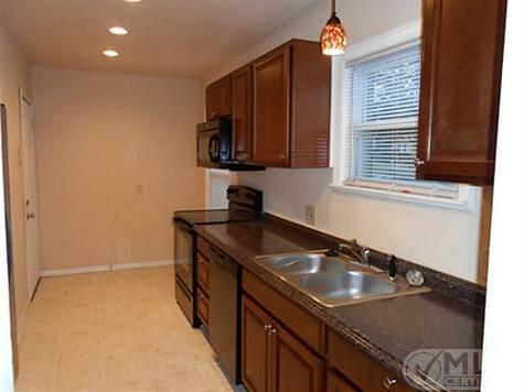 119 N. Hampton Kitchen
