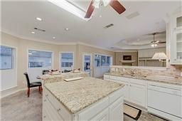 1225 Oak Trail kitchen