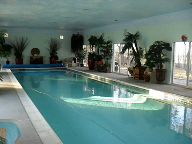 1225 Oak pool