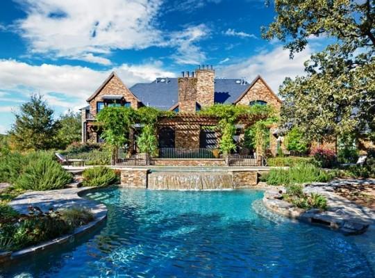 12780 Hilltop Backyard