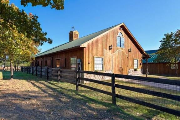 12780 Hilltop Barn