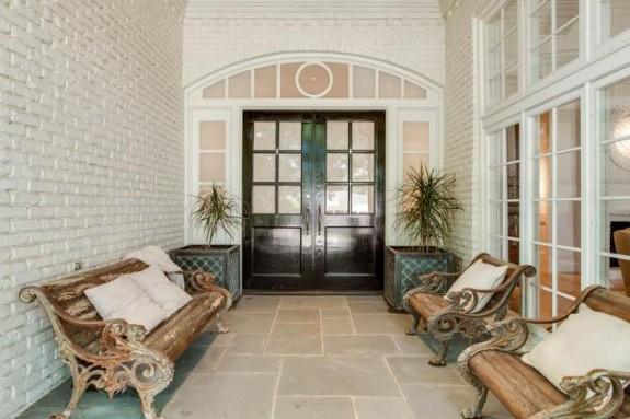 14225 Hughes entry porch
