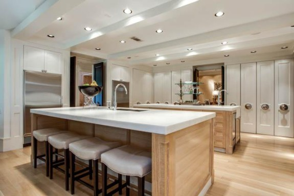 14425 Hughes kitchen