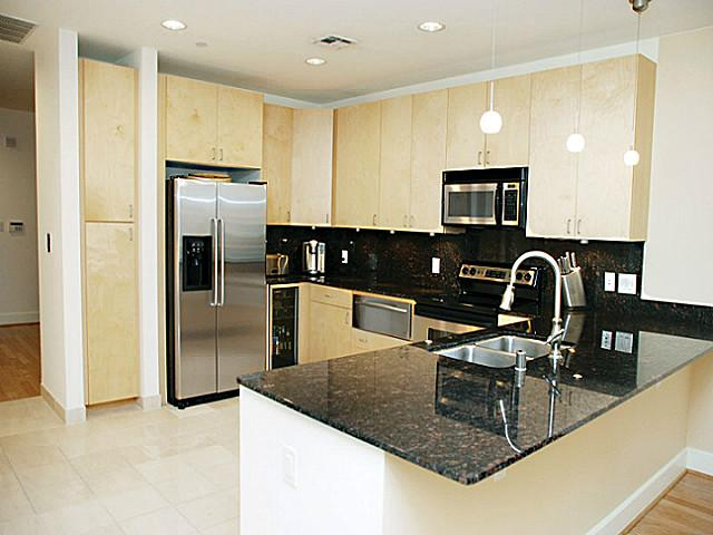 1505 Elm 502 Kitchen