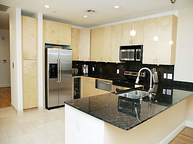 1505 Elm 502 Kitchen
