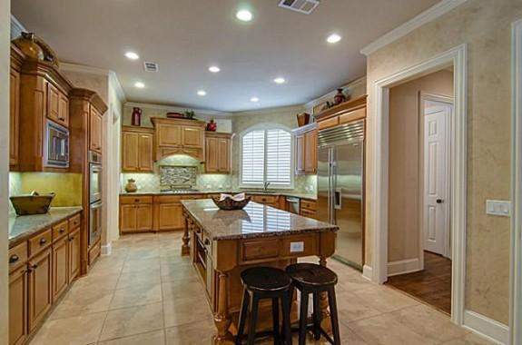 1505 Montclair Kitchen