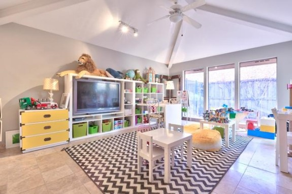 17203 Earthwind Playroom