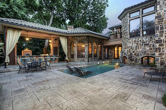 1809 Provine Patio and Pool
