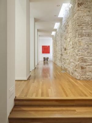 2 Los Arboles Ct hallway