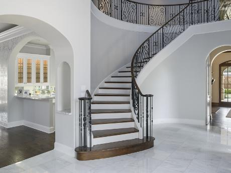 10453 Epping staircase