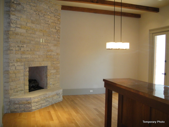 5233 Stonegate Family room 2