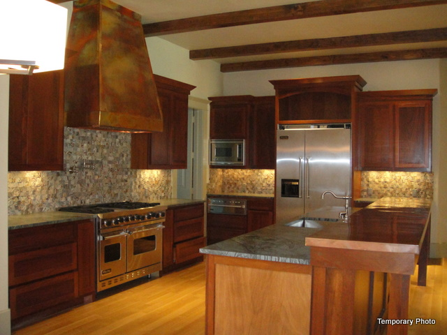 5233 Stonegate kitchen 2