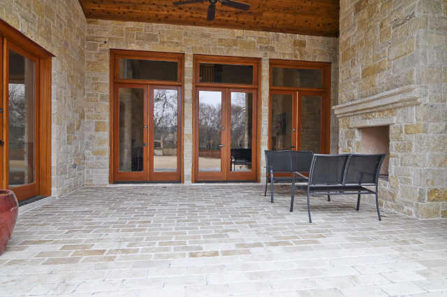 5233 Stonegate patio 3