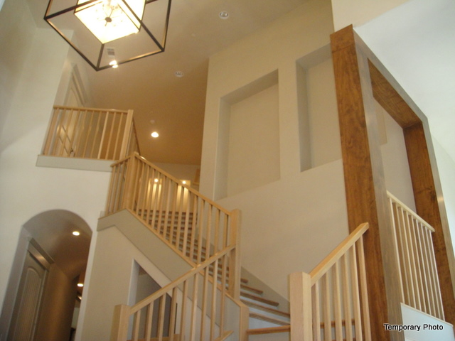 5233 Stonegate stairs