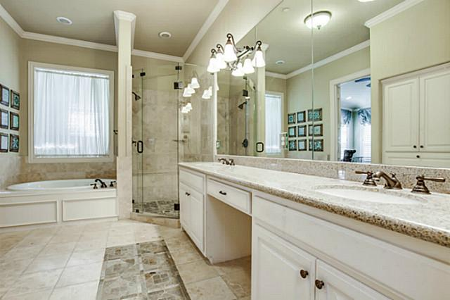 5801 Hillcrest Master Bath