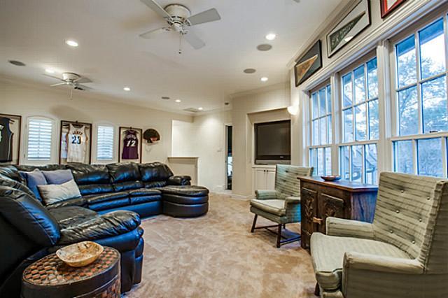 6207 Rex bedroom suite 2