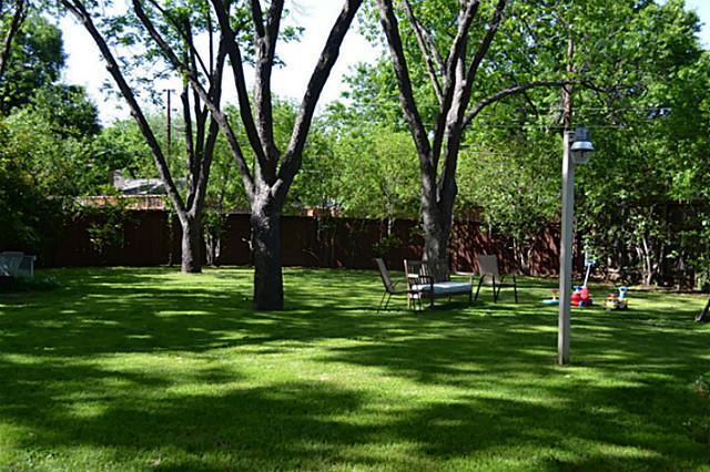 7317 Fieldgate Backyard 1