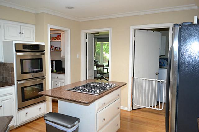 7317 Fieldgate Kitchen