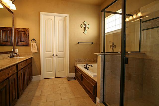 8325 Lindsay master bath
