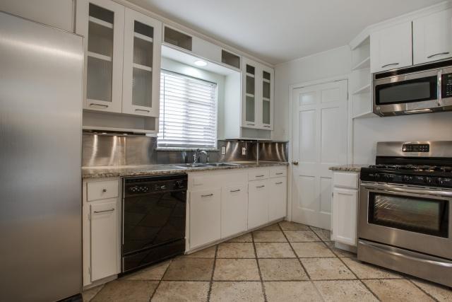 8507 Briarwood Kitchen
