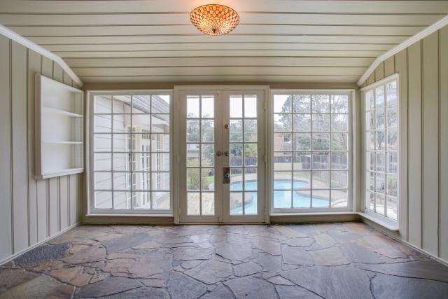 8507 Briarwood Sunroom