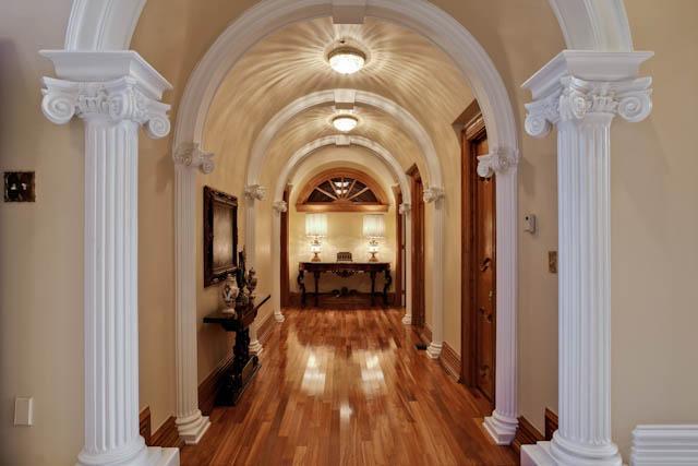 8915 Douglas hallway
