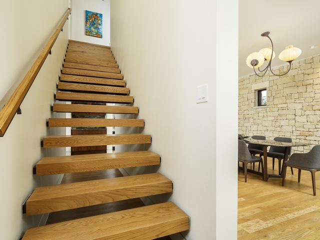 9995 Hollow way stairs