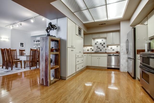 The Bonadventure kitchen