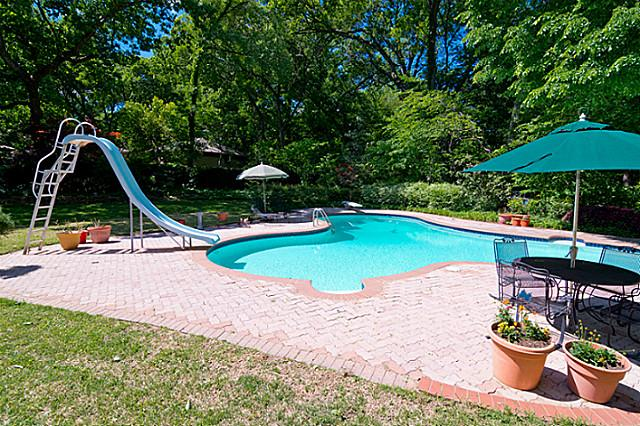 11757 Hill Haven pool