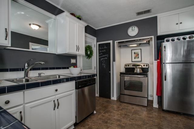 2531 W 10th Kitchen 2