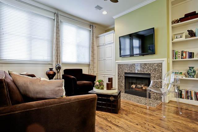 2805 Thomas Family Room
