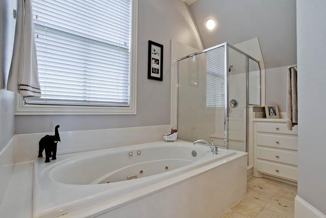 2805 Thomas Master Bath