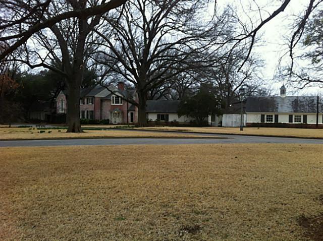 4644 Park Lane exterior
