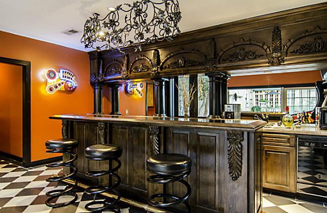 5323 Swiss guesthouse bar