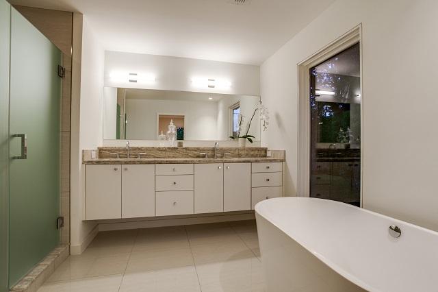 5526 W  University  Master Bathroom