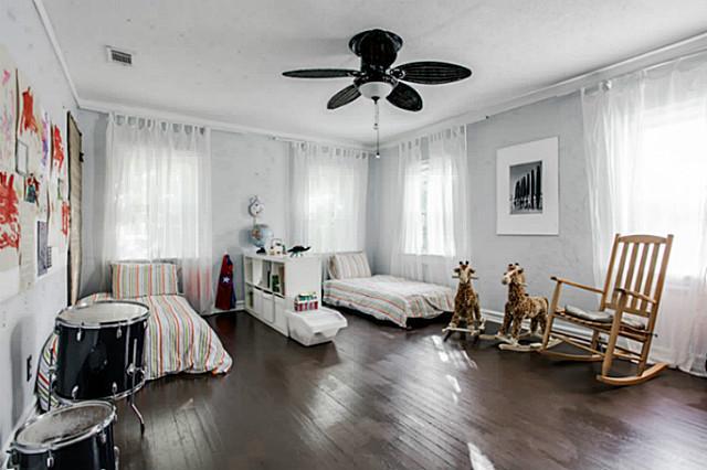 6819 Santa Fe Bedroom