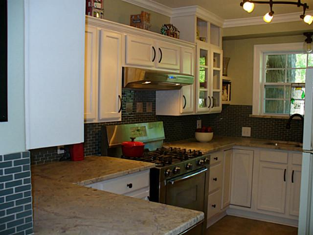 8822 Redondo Kitchen 2