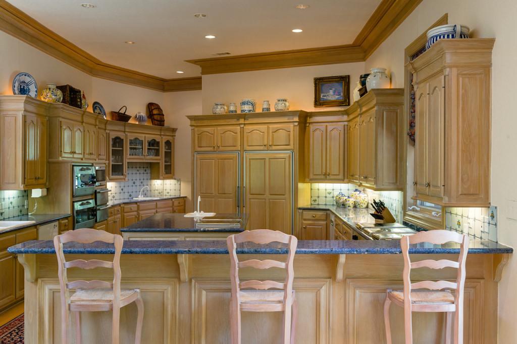 9250 Meadowbrook kitchen 2