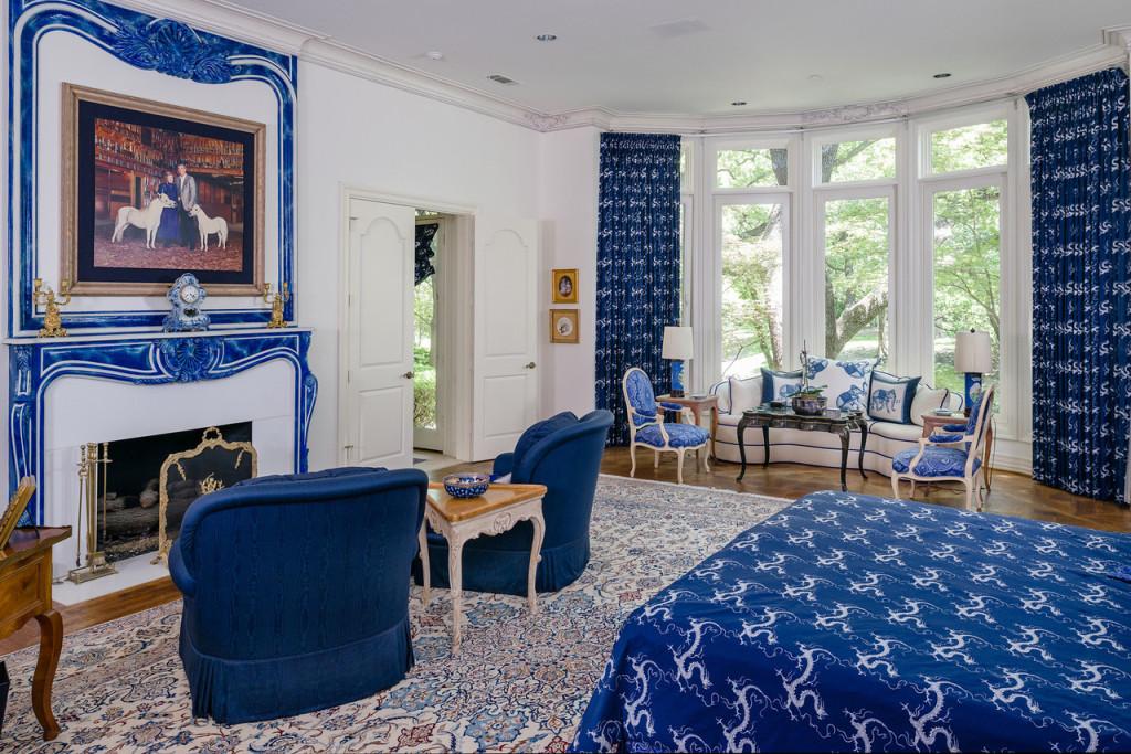 9250 Meadowbrook master bedroom