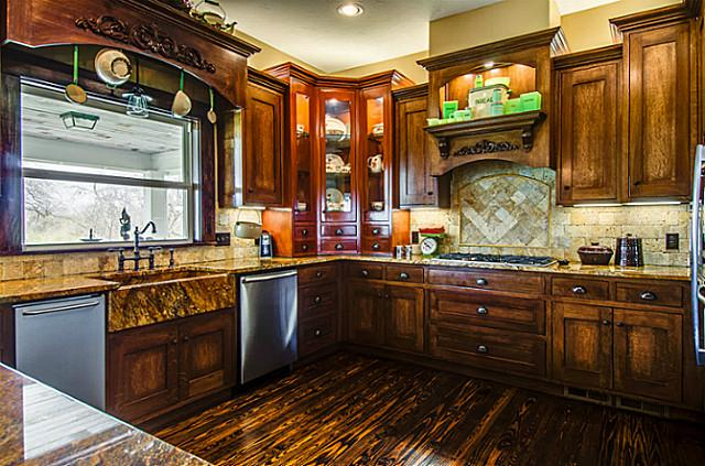 2113 Mangum Kitchen