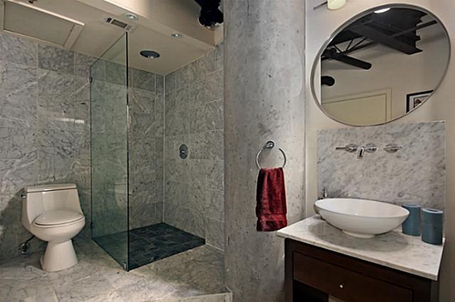 3110 Thomas 119 Downstairs Bath