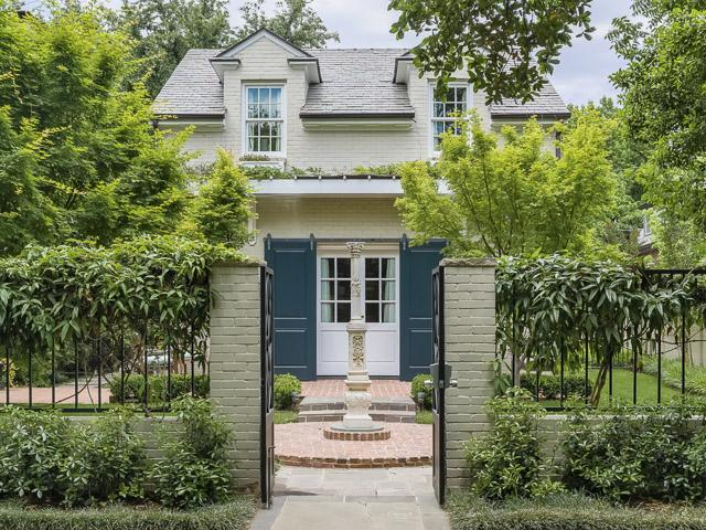4412 Belclaire carriage house exterior