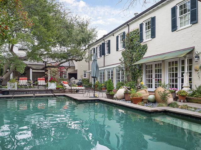 4412 Belclaire pool