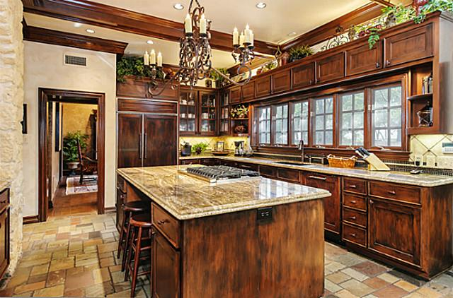 4707 Chapel Hill kitchen 2