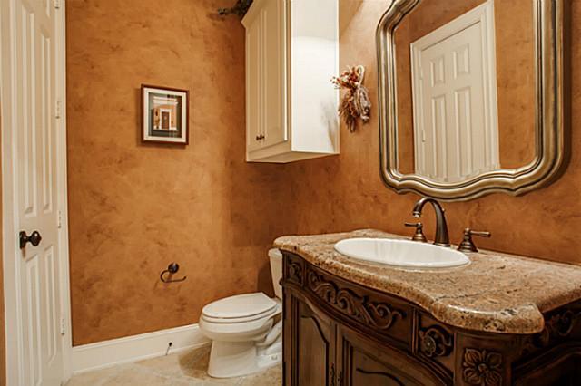 607 Naples Guest Bath