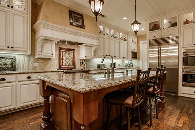 607 Naples Kitchen